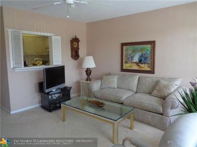 Deerfield Beach Condo/Townhouse For Sale: 2015 Durham A #2015