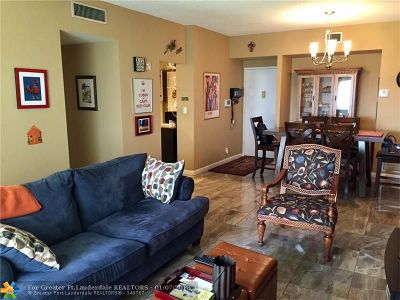 Hollywood Condo/Townhouse For Sale: 4200 Hillcrest Dr #103