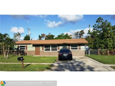 Lantana Single Family Home For Sale: 810 14th St