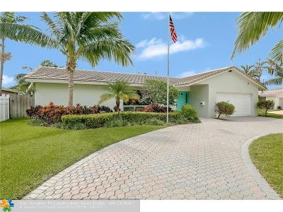 Lighthouse Point Single Family Home For Sale: 2600 NE 51st Ct