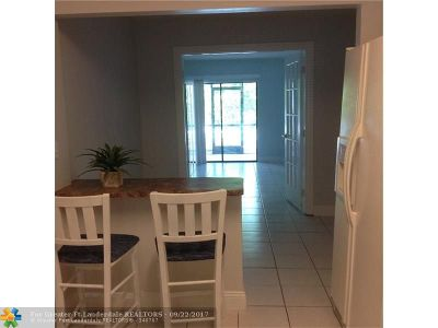 Coral Springs FL Condo/Townhouse For Sale: $123,000