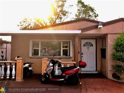 Hialeah Single Family Home For Sale: 5998 W 14 Ln