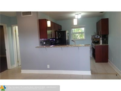 Broward County , Palm Beach County Condo/Townhouse For Sale: 4061 N Dixie Hwy #35