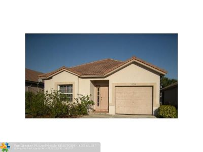 Lauderdale Lakes Single Family Home For Sale: 2716 Willow Ln