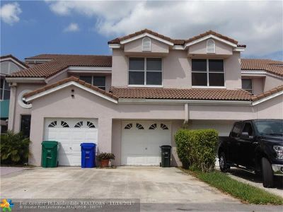 Pembroke Pines Condo/Townhouse For Sale: 14927 SW 15th St #14927