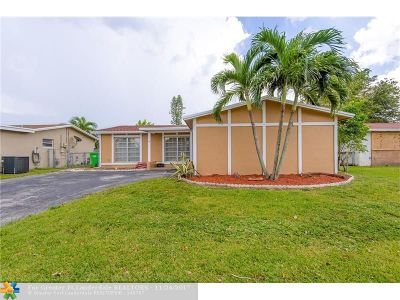 Sunrise Single Family Home For Sale: 11440 NW 32 Place