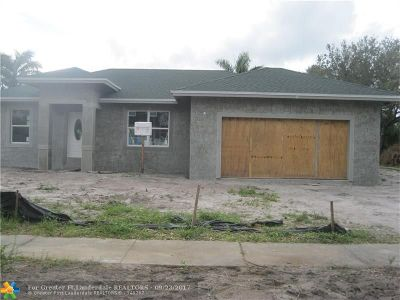 Plantation Single Family Home Backup Contract-Call LA: 5180 SW 14th St