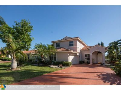 Coconut Creek Single Family Home For Sale: 3706 Coco Lake Dr