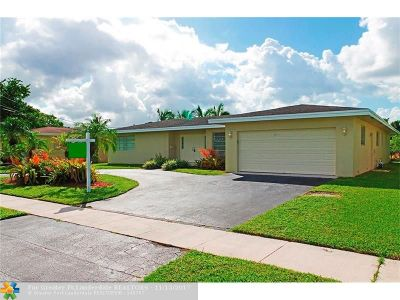 Plantation Single Family Home For Sale: 7410 NW 10th Ct