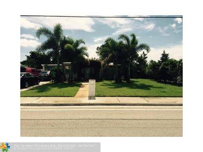 Boynton Beach Single Family Home For Sale: 3216 N Seacrest Boulevard