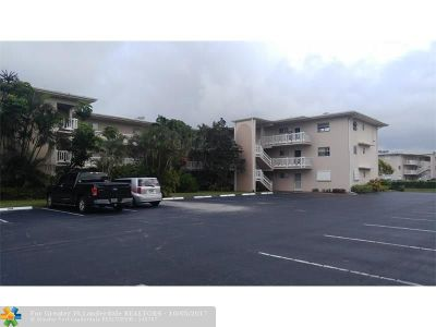 Lake Worth Condo/Townhouse For Sale: 2647 N Garden Dr #309