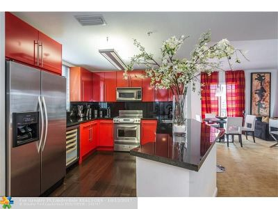 Coral Gables Condo/Townhouse For Sale: 10 Aragon Ave #706