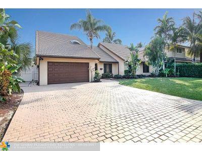 Bermuda Riviera Single Family Home For Sale: 3208 NE 40th Ct