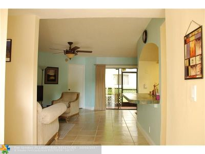 Plantation Condo/Townhouse For Sale: 1639 NW 81st Way #1639