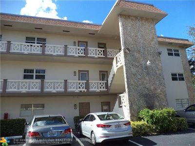 Lauderdale Lakes Condo/Townhouse For Sale: 3405 NW 48 Ave #415
