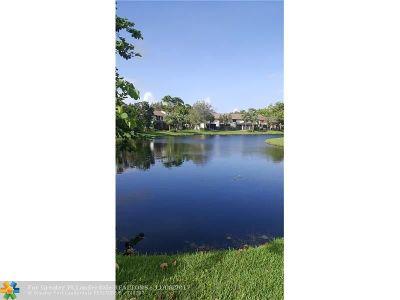 Coconut Creek Condo/Townhouse For Sale: 4603 Carambola Cir #27334