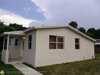 Lauderhill Single Family Home For Sale: 3360 NW 8th Pl