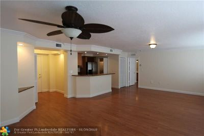 Broward County Condo/Townhouse For Sale: 150 NE 15th Ave #142