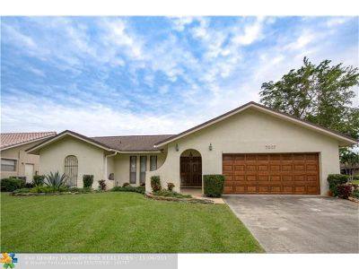 Coral Springs Single Family Home For Sale: 7007 NW 39th Ct