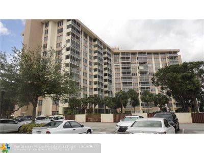 Coral Springs Condo/Townhouse For Sale: 10777 W Sample Rd #418