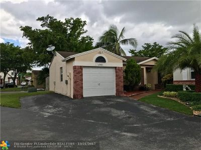 Hialeah Single Family Home For Sale: 19321 NW 83 Ave