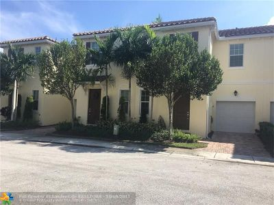 Boynton Beach Condo/Townhouse For Sale: 472 Lauren Pine Pl #472
