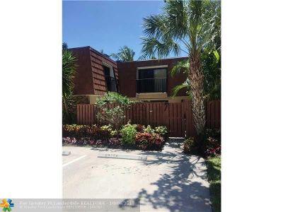 Delray Beach Condo/Townhouse For Sale: 1505 Augusta Cir #119