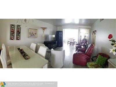 Boynton Beach Condo/Townhouse For Sale: 300 NE 26th Ave #4020