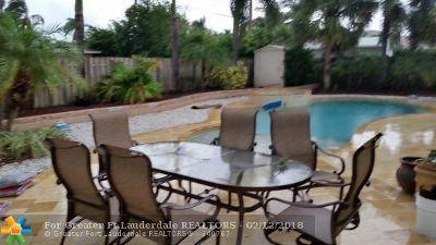 Pompano Beach Single Family Home For Sale: 2625 NE 8 Street