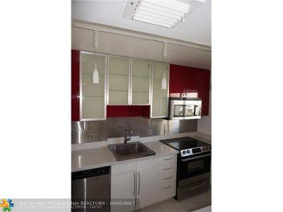 Palm Beach Condo/Townhouse For Sale: 3605 S Ocean Blvd #539