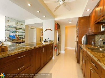 Fort Lauderdale Condo/Townhouse For Sale: 2200 S Ocean Lane #1201