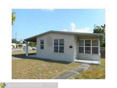 Lauderhill Single Family Home For Sale: 3481 NW 5th St