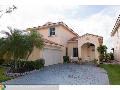 Coconut Creek Single Family Home For Sale: 3686 Coco Lake Dr