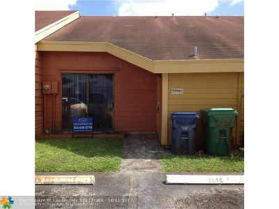 Lauderhill Condo/Townhouse For Sale: 2448 NW 55th Ter #2448