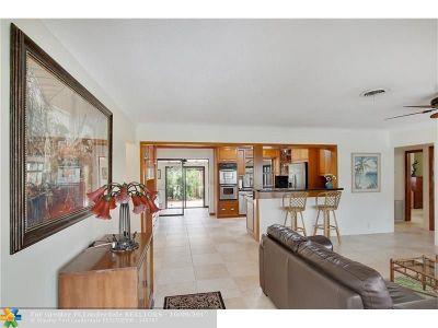 Pompano Beach Single Family Home For Sale: 2000 NE 27th Ave