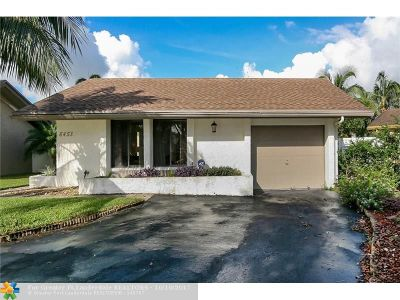 Davie Single Family Home For Sale: 8451 SW 39th Ct