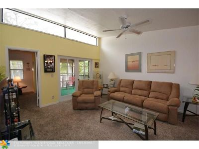 Coral Springs Condo/Townhouse For Sale: 8767 Shadow Wood Blvd #306