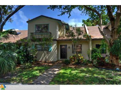 Dania Condo/Townhouse For Sale: 193 NE 6th Ct #193
