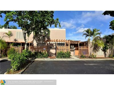 Pembroke Pines Condo/Townhouse Backup Contract-Call LA: 1572 NW 113th Way #1572