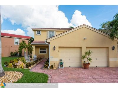 Pembroke Pines Single Family Home For Sale: 18441 NW 18th St