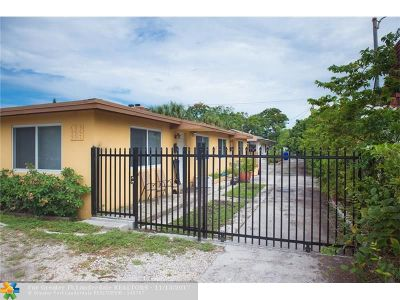 Broward County Multi Family Home For Sale: 2513 Lincoln St