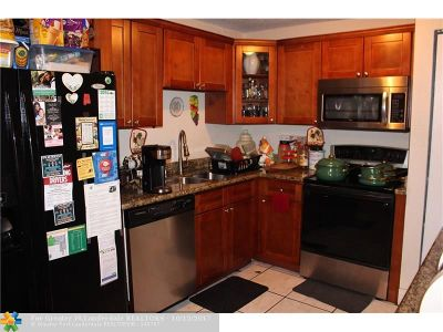 Lauderhill Condo/Townhouse For Sale: 5214 NW 25th St #27