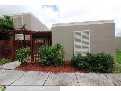 Pembroke Pines Condo/Townhouse For Sale: 1131 N Hiatus Rd #1131