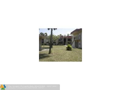 Lauderhill Condo/Townhouse For Sale: 2960 NW 55th Ave #2D