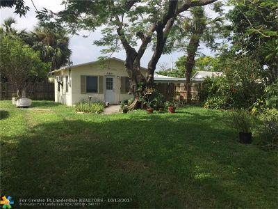 Oakland Park Single Family Home For Sale: 3861 NE 8th Ave