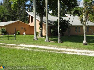 Davie Single Family Home For Sale: 10353 Orange Dr