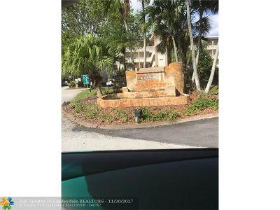 Coconut Creek Condo/Townhouse For Sale: 2002 Granada Dr #F1