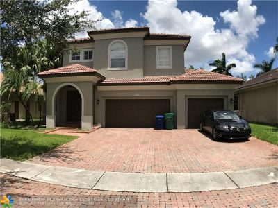 Miramar Single Family Home For Sale: 19371 SW 30th St