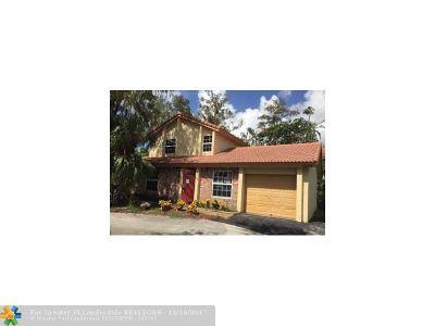 Coral Springs Single Family Home For Sale: 1244 NW 91 Av