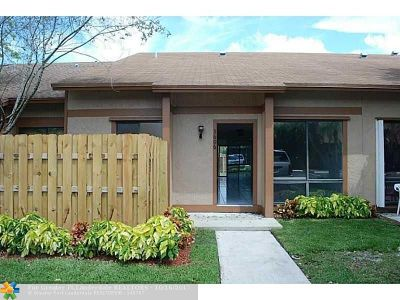 Sunrise Condo/Townhouse For Sale: 3606 NW 111th Ter #3606